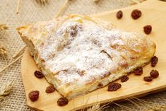 Plăcintă dobrogeană cu brânză dulce și stafide, sau cum noi o mai numim: gustarea gustărilor!  #placintadobrogeana #sanatos #gustos #inspiration #food #foodinspiration #foodart #foodporn #healthy #healthyfood #delicios #gustos Mai, Food Porn, Bread, Brot, Baking, Breads, Buns, Treats