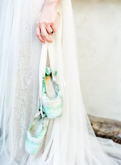 Hand Dyed Wedding Shoes | photography by http://www.lissaryanphotography.com/