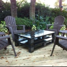 Deck with Pallet Furniture