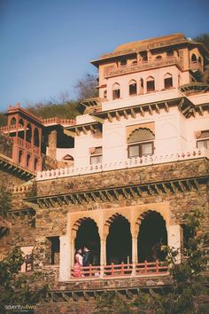Create history at an historical monument which is now turned into a luxury Hotel, The Neemrana Fort! A fort built in the 15th century!