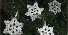 Free crochet pattern to make two snowflakes for your Christmas tree.