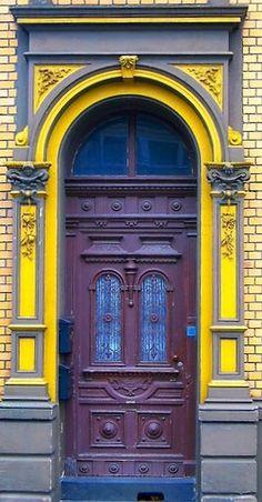 Mülheim an der Ruhr, North Rhine-Westphalia, Germany (=) Cool Doors, Unique Doors, Portal, Entrance Gates, Grand Entrance, Behind The Green Door, Deco Baroque, When One Door Closes, North Rhine Westphalia