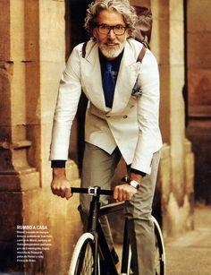 El Pais Fashion Supplement For Men Photographer- Sergi Pons Stylist- Miguel Arnau Model- Aiden Shaw In true earth. Aiden Shaw, Fixed Gear Girl, Cycle Chic, Advanced Style, Bike Style, Men's Style, Men's Grooming, Beard Styles, Stylish Men