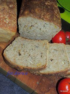 Moje Małe Czarowanie: Szwajcarski chleb farmerski na zaczynie z rodzynek