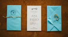 Wood wedding invitation.  www.comobranco.com @marryinportugal #comobranco