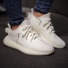2019 Black Kanye West With Box New Antlia Static Reflective Clay Running Shoes Classic Cream White Men Women Designer Sneakers – Shop Running Shoes Sneakers Mode, Sneakers Fashion, Fashion Shoes, Mens Fashion, Simple Shoes, Casual Shoes, Shoes Style, Formal Shoes, Men Casual