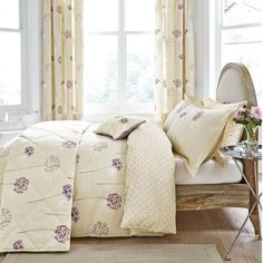 Summer Breeze Damson Bedding