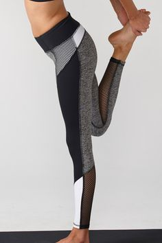 Our color blocked legging is a great way to add a pop of color to your workout wardrobe. Higher waistband holds you in in all the right places. Moisture wicking, 4-way stretch, breathable fabric.