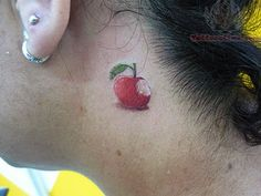 Here is the collection of 30 Stunning Apple Tattoo Designs. Skull Tattoo Design, Tattoo Designs, Tattoo Ideas, Back Tattoo, I Tattoo, Tattoo Quotes, Vegetable Tattoo, Apple Tattoo, Fruit Tattoo