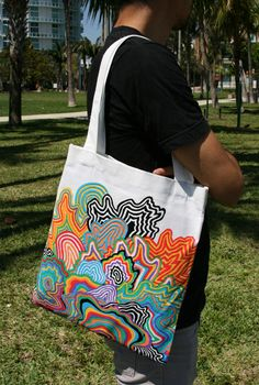 Jen Stark's latest projects and shows Sacs Tote Bags, Diy Tote Bag, Tote Bags Handmade, Custom Tote Bags, Canvas Tote Bags, Reusable Tote Bags, Canvas Totes, Tods Bag, Painted Bags