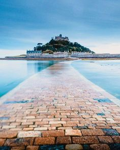 St Michael's Mount near Marazion in Cornwall - - Whether it's a family trip, a holiday highlight or a group visit, plan your visit today and find the St Michael's Mount experience to make your own. Cornwall England, Devon And Cornwall, St Ives England, Lands End Cornwall, St Ives Cornwall, Dorset England, Devon England, Saint Michael, La Provence France