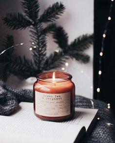 Boho Glam Home, Cozy Aesthetic, Aesthetic Coffee, Autumn Aesthetic, Home Coffee Stations, Ideas Hogar, Diy Décoration, Christmas Mood, Christmas Lights
