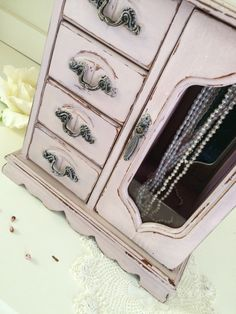 Wooden Jewelry Boxes, Jewellery Boxes, Jewellery Storage, Shabby Chic Jewellery Armoire, Jewelry Armoire, Etsy Vintage, Vintage Items, Vintage Jewelry, Shabby Chic Homes