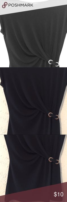 Black Shirt with Buckle Great Summer Too small Great summer shirt. Looks great with jeans or skirt. Buckle gives a great accent for shape. Please see listings for bundle deals. Small Tops Blouses
