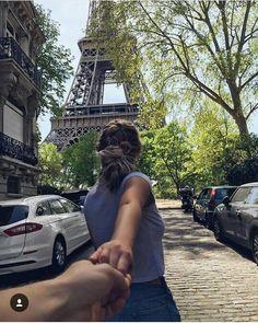 Couple un Paris Eiffel Tower