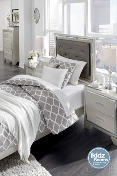 Lonnix Silver Finish Upholstered Twin Bed Hollywood Glitz