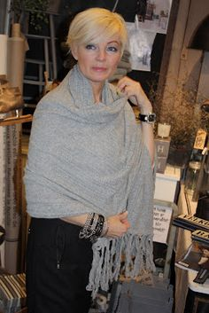 72ec8791d8309 61 Best Grey scarf images in 2018 | Fashion Over 50, Long scarf ...