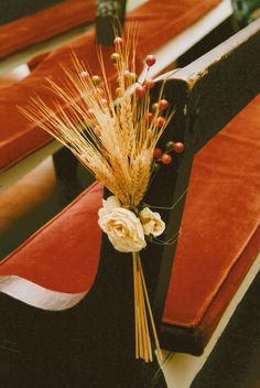 our fall wedding, church pew decoration what a perfect and simple idea ~this is a must!