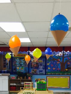 How brilliant! Ice cream baloons (: Ice cream parties, beach parties, birthday parties. So sweet!