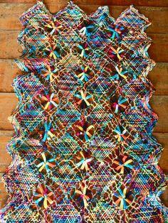 100% handmade Brazilian tray cloth. Like it? More info at www.facebook.com/olhodemascate #panosdebandeja #passadeira #rendadebilro #rendafile #crochet #decoração #decoration #weaving #naturalfiber #handmade #brazilcolours #tradicionalart