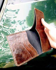 ✅ Весьма удобный бумажник с вместительным откидным отделом для карт. Достойный выбор деловего человека, который ценит место в своих…