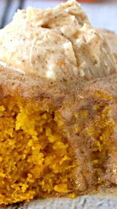 Skillet Pumpkin Cornbread with Cinnamon Maple Butter ~ Inspired by The Pit Authentic BBQ Restaurant in Raleigh, NC. Pumpkin Recipes, Fall Recipes, Holiday Recipes, Pumpkin Cornbread Recipe, Cornbread Cake, Buttermilk Cornbread, Pumpkin Pumpkin, Banana Recipes, Pumpkin Puree