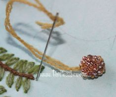 Tutorial: Beaded Stumpwork Berries Add these great detached beaded berries to your stumpwork projects or other embroidery! Embroidery Stitches Tutorial, Embroidery Techniques, Embroidery Patterns, Silk Ribbon Embroidery, Embroidery Thread, Cross Stitch Embroidery, Needlepoint Stitches, Needlework, Brazilian Embroidery