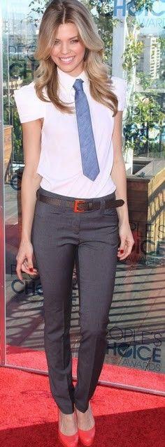 Tie! El uso de corbata en la mujer...