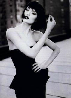 Linda Evangelista by Patrick Demarchelier  #fashionphilosophy #fashionweek #fashionphotography