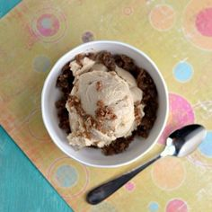 Vegan Salted Caramel Ice Cream -- made w/ Silken Tofu. Includes a cool recipe for caramel sauce that is dairy free and w/o refined sugar =) Vegan Sweets, Vegan Desserts, Delicious Desserts, Vegan Recipes, Vegan Foods, Dairy Free Ice Cream, Vegan Ice Cream, Granita, Sweets