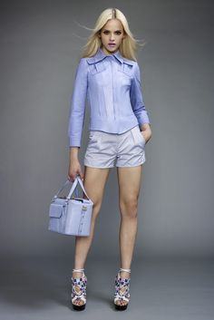http://www.vogue.it/en/shows/models/ginta-lapina Блондинкам идут цвета, оттенки голубого, бирюза, розовые тона.
