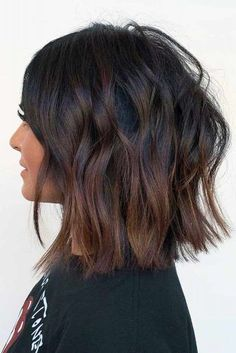 49 Flawless Haircut Ideas To Beautify All Face Shapes The Right Face-Flattering Haircuts To Beautify All Face Shapes ★ Face Shape Hairstyles, Bob Hairstyles, Thick Hair Hairstyles Medium, Medium Thick Hair Cuts, Curly Medium Length Hair, Wedding Hairstyles, Homecoming Hairstyles, Hair Medium, Bob Haircuts