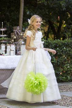 Vestidos de Primera Comunion para niñas. PAOLA DOMINGUIN