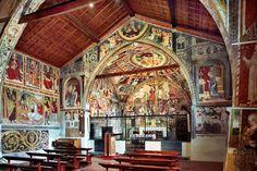 Giovan Pietro da Cemmo dipinge più di venti Madonne nella chiesetta di Esine, una diversa dall'altra, curandone i particolari stilistici e dando a ciascuna immagine una propria austera personalità.