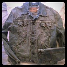 Levi's jean jacket Genuine Levi's jean jacket. NWOT! Never worn! Says size small but it fits like a Medium. Levi's Jackets & Coats Jean Jackets