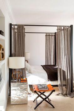 Amazing seaside residence designed by Stefano Dorata Architetto located in Sabaudia, Italy. Dream Bedroom, Home Bedroom, Modern Bedroom, Bedroom Decor, Interior Architecture, Interior Design, Deco Originale, Beautiful Bedrooms, Contemporary Interior