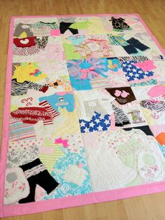 Memory Quilt / First Year Quilt / Year Blanket / by I want this! Memory Quilt / First Year Quilt / Year Blanket / by Baby Clothes Quilt, Sewing Baby Clothes, Baby Sewing, Ladies Clothes, Baby Memory Quilt, Baby Quilts, Memory Quilts, Sewing Crafts, Sewing Projects