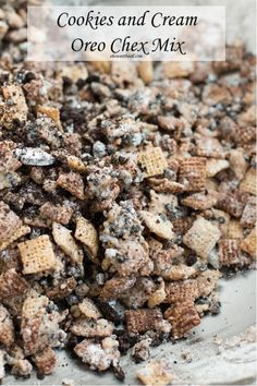 Our kids beg for this delicious cookies and cream oreo chex mix and it& so easy to make! It& gosh darn delicious! Köstliche Desserts, Delicious Desserts, Dessert Recipes, Yummy Food, Plated Desserts, Fun Food, Puppy Chow Recipes, Snack Mix Recipes, Snack Mixes