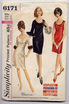 Simplicity 6171 Vintage Sewing Pattern MUST SEE Adorable Lace Ruffle or Mink Fur Cuff Fitted Scoop Neck Cocktail Party Dress, Wedding & Party Styles Vintage Outfits, Robes Vintage, Vintage Dresses 1960s, Vintage Dress Patterns, Clothing Patterns, Vintage Apron, Vintage Clothing, Moda Retro, Moda Vintage