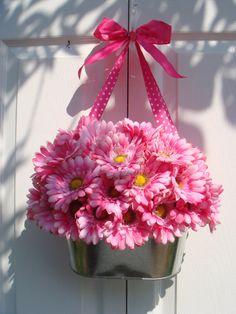Wreath, summer wreath, front door wreath, bright pink gerbera daisy wreath