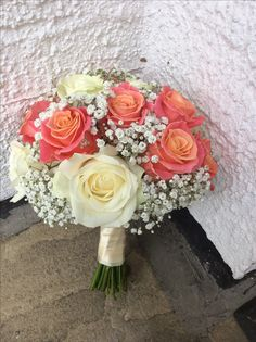 Avalanche and Miss Piggy Rose bouquet by Add Style UK Coral Wedding Themes, Coral Wedding Flowers, Wedding Stage Decorations, Bridal Flowers, Wedding Colors, Coral Flower Bouquets, Rose Flower Arrangements, Rose Bouquet, Boquette Wedding