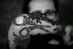 shears tattoo be mine Love Tattoos, Beautiful Tattoos, Body Art Tattoos, New Tattoos, Tribal Tattoos, Tatoos, Shear Tattoos, Tattoo Art, Future Tattoos