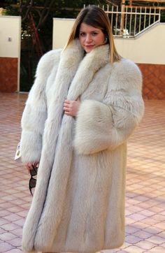 The fur fox is in good condition. m 150 cm. d 46 cm. c 64 cm. e 62 cm. Fox Fur Jacket, Fox Fur Coat, Steampunk Clothing, Gothic Steampunk, Victorian Gothic, Steampunk Fashion, Gothic Lolita, Jackets For Women, Clothes For Women
