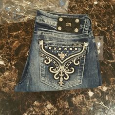 "MISS ME JEANS ""FRENCH CHANDELIER"" SZ 28 Brand New with tags, Size 28 X 33 1/2  Signature/ Straight Leg Miss Me Jeans Straight Leg"