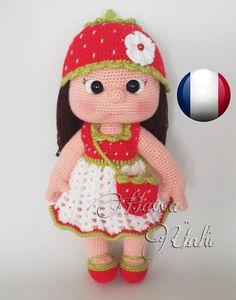 Modèle - La poupée Mia avec sa Robe Fraise Ceci est un Modèle
