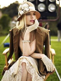 Great Gatsby Style - Kate Bosworth vintage love the gloves and hat! Great Gatsby Party Outfit, Great Gatsby Fashion, Gatsby Outfit, Estilo Gatsby, Beauty And Fashion, Womens Fashion, Style Fashion, Fashion Hair, Gloves Fashion