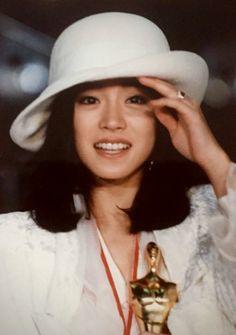 Aesthetic Japan, Types Of Girls, Japanese Girl, Character Inspiration, Asian Beauty, Panama Hat, Cute Girls, Singer, Poses