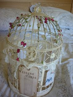 love how its decorated- can use all my stupid lace and burlap I originally bought for centrepieces I am now doing differently.