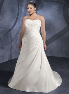 A-Line/Princess Strapless Sweetheart Court Train Satin Wedding Dress With Ruffle Lace Beading