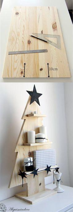Árbol de Navidad con tablas de madera